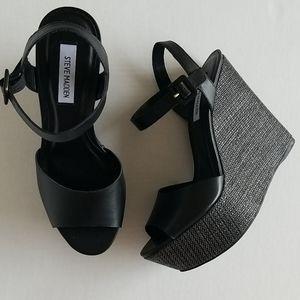 NWOT Steve Madden woven high wedge sandal